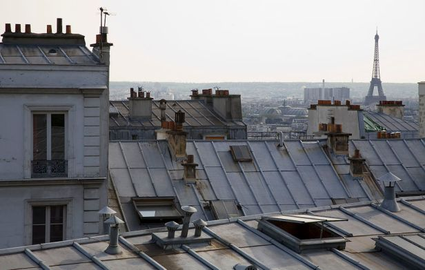 1024px-paris_-_rooftops_-_eiffel_tower_from_montmartre_-_1991