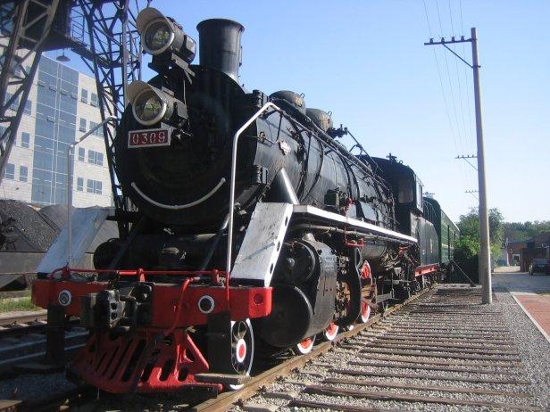 china_railways_steam_locomotive_0309_at_beijing