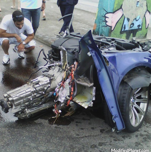 car-photo-2010-bmw-m5-car-accident-crash-destroyed-split-in-half