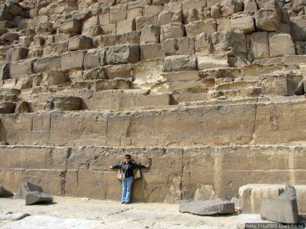 ogromnye-bloki-piramidy