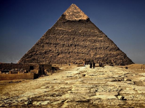 pyramid_egypt_sand_greece_28579_1400x1050