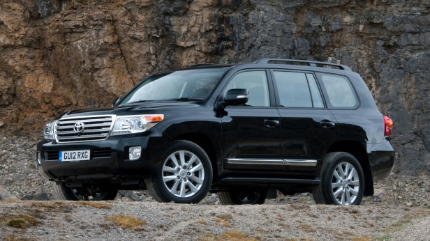 toyota-land-cruiser-200-v8