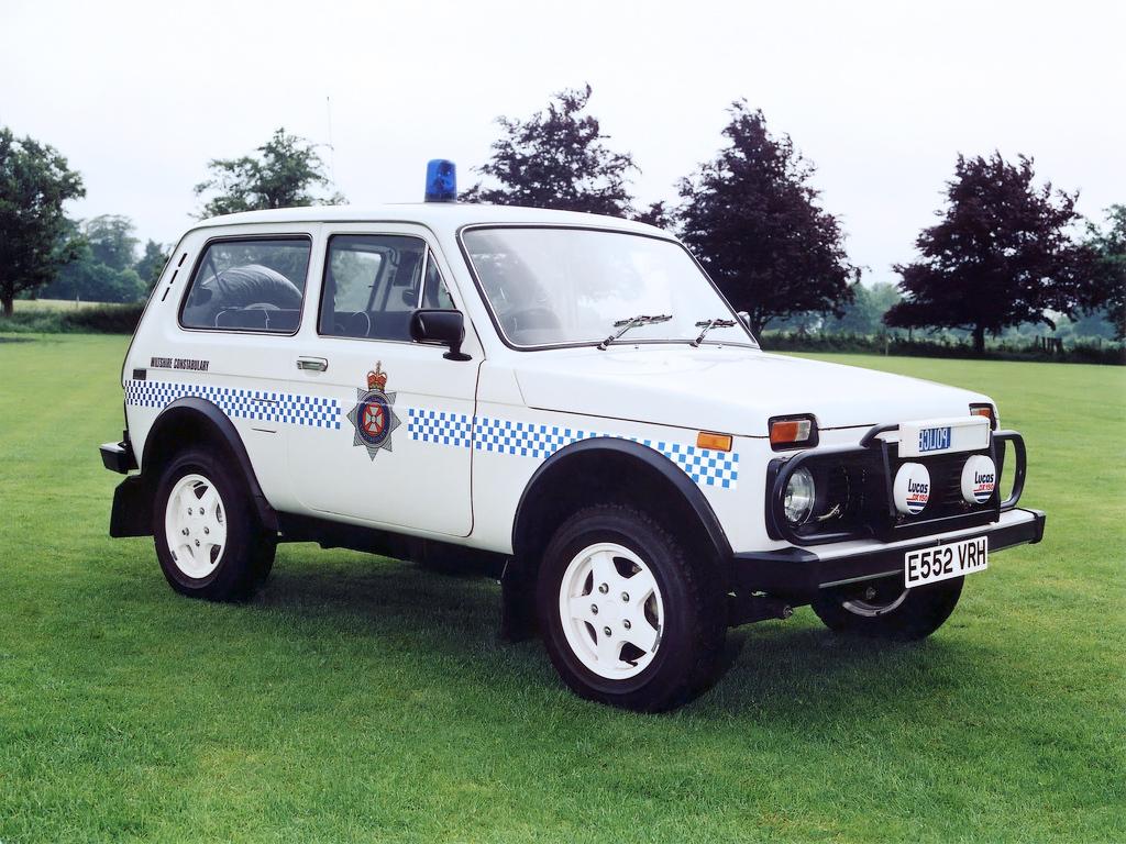 autowp.ru_lada_niva_wiltshire_police_1